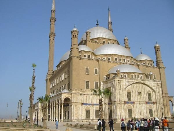 اللوموند والجارديان: القاهرة بدأت تفقد بريقها الثقافى