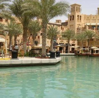 -جنان- تدير فندق عين شندا بمصر