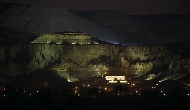الانتهاء من إضاءة البر الغربي بتكلفة 56 مليون جنية