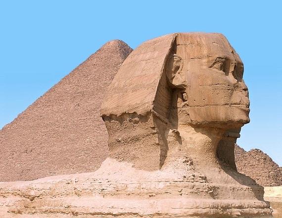 غداً... مصر بجميع اللغات أمام هرم خوفو