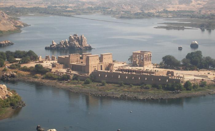 وزير السياحة يحل الاتحاد المصري للغرف السياحية