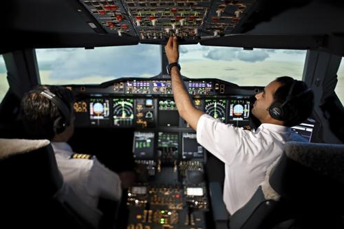 الإمارات تنشئ أكاديمية للطيران في دبي