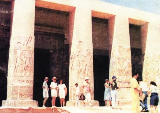 معبد أبيدوس يستقبل زواره