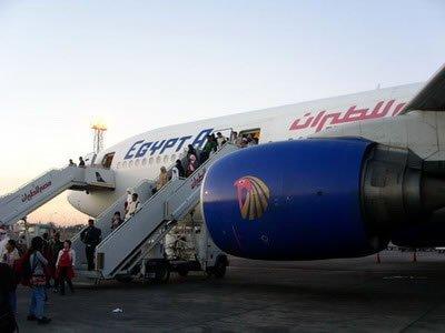 انخفاض أعداد ركاب مصر للطيران باستثناء الحج والعمرة