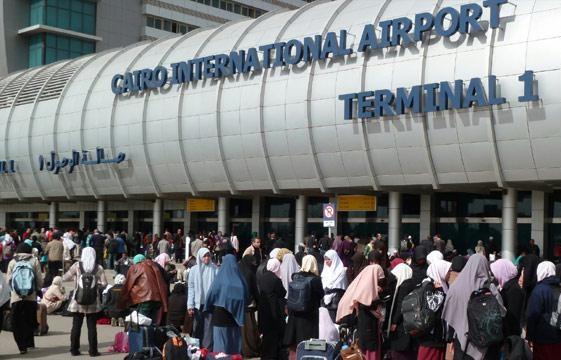 حملة أمنية مكبرة لإعادة الانضباط بمطار القاهرة الدولي