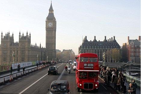الأغنياء في بريطانيا يريدون مغادرتها بسبب الجريمة والطقس السىء وغلاء المعيشة