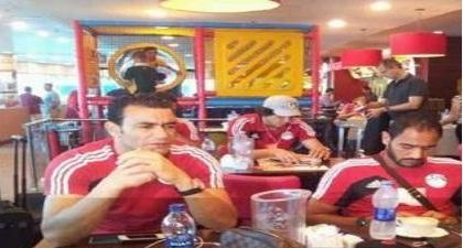 المنتخب المصري يعود من -بنجي- بخفى حنين