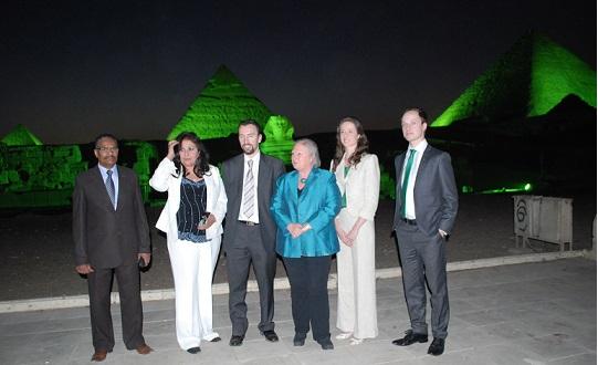 الأهرامات وأبو الهول أهم معالم مبادرة الاخضرار الأيرلندي العالمي