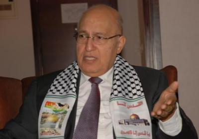 نبيل شعث يصل القاهرة قادما من تونس والإبراهيمي يتوجه الي ألمانيا