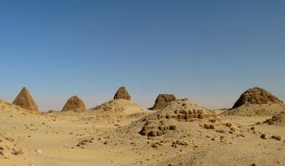 الفرنسيون يكتشفون 35 هرماً  شمال السودان