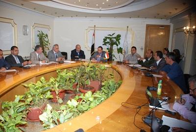 وزارة البيئة تبحث مع ممثل لجنة الخمسين المواد البيئية  فى الدستور المصرى