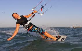 كارولينا وينكوسكا: شواطئ البحر الاحمر جنة التزحلق على المياه