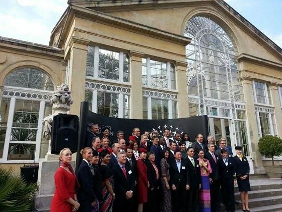 """الملكة """"إليزابيث- تفتتح مبنى الركاب رقم 2 الجديد بمطار هيثرو الدولى بمشاركة رئيس مصر للطيران"""
