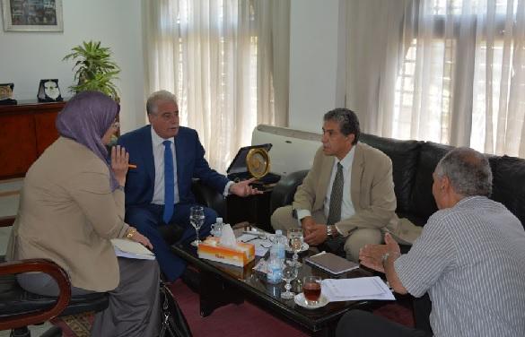 وزير البيئة يبحث سبل الحفاظ على حواف هضبة -أم السيد- بشرم الشيخ من الانهيار