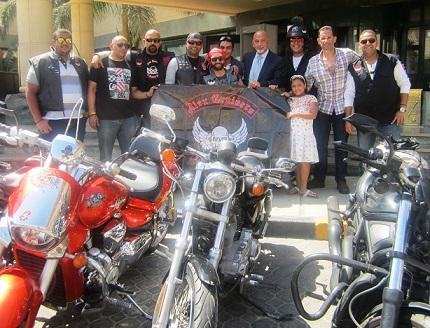 اليكس كروزرز  يشجعون السياحة من فندق هيلتون بيراميدز جولف