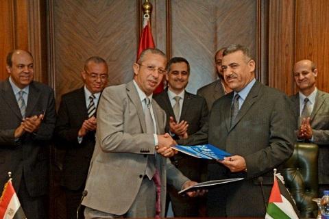 مصر للطيران توقع اتفاقية نقل الحجاج الفلسطينيين لهذا العام