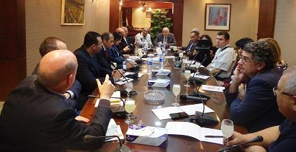 وزير السياحة يبحث مع ممثل الفاتيكان سبل تعزيز السياحة الدينية والثقافية