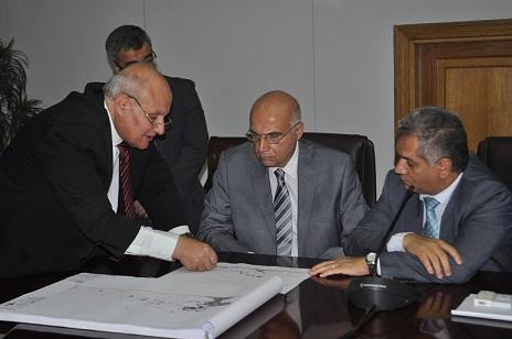 وزيرا السياحة والآثار يناقشان مشروع تطوير عيون موسى