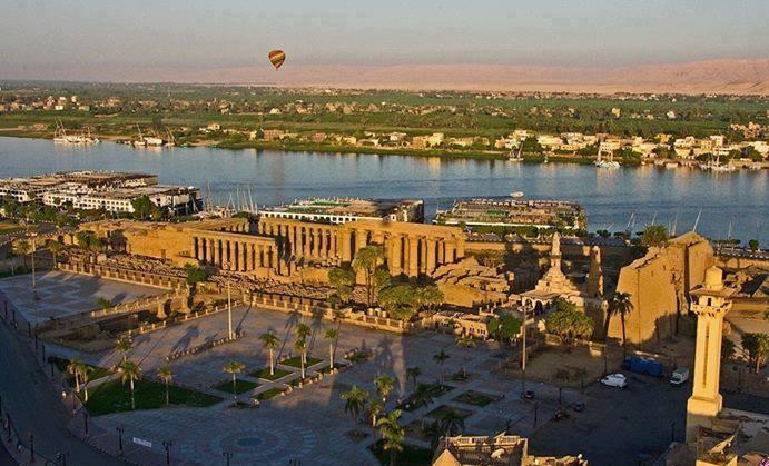 رحلات مدعمة  إلى الأقصر وأسوان والإقامة بالفنادق العائمة دعوة  المصريين بالداخل والخارج وأبنائهم للإستفادة من مبادرة مصر فى قلوبنا