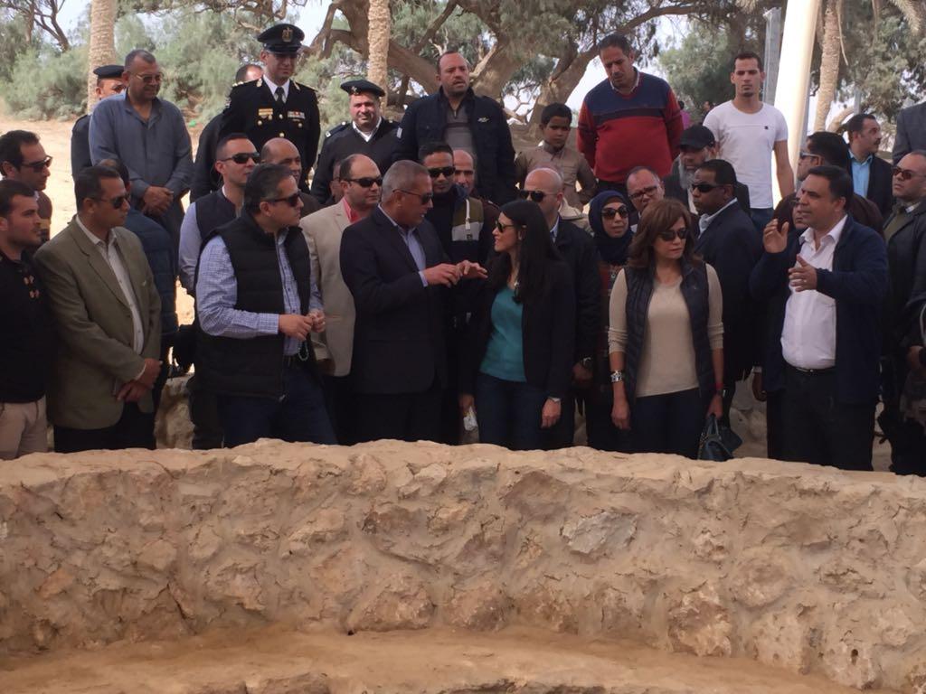 بالصور.. وزيرة السياحة تتفقد مشروع تطوير منطقة عيون موسى