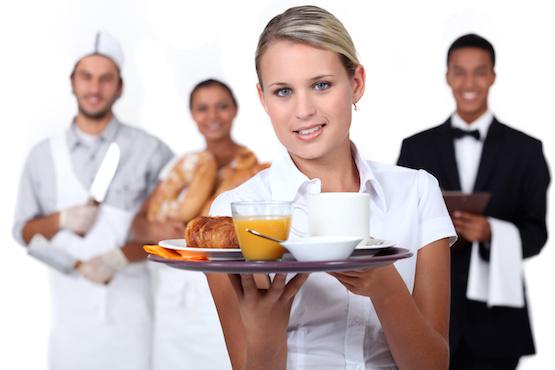 حفاظاً على حقوق العمالة المصرية السياحة تشدد على تنفيذ الضوابط الخاصة بعمل الأجانب وتهدد بمعاقبة المنشآت المخالفة