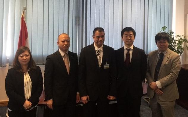 سفير اليابان ووفد الجايكا يتفقدا مبني الركاب الجديد بمطار برج العرب