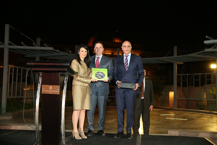 وزيرة السياحة تلتقى باللجنة التنفيذية للاتحاد الدولي للغاز