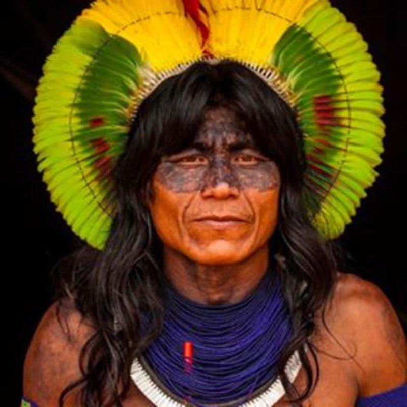 شاهد الأغرب في العالم.. -القبيلة المسعورة-: يهاجمون كل شيء.. والرجل يقتل زوجته إذا أغضبته!