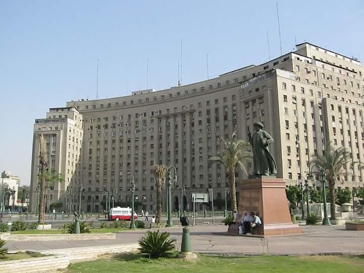 مجمع التحرير .. شموخ في قلب القاهرة النابض