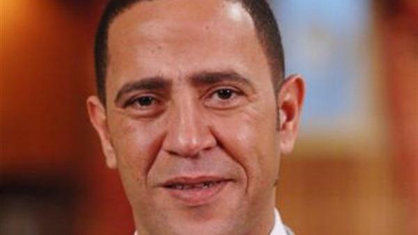 اشرف عبدالباقي يحتفل باليوم العالمي للتطوع بالقرية الفرعونية