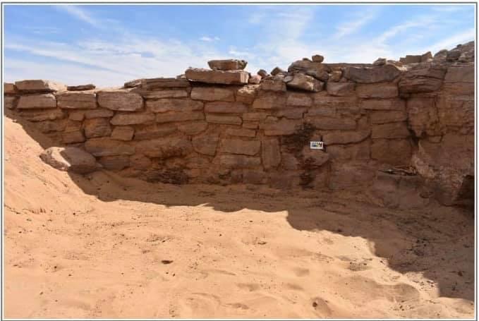 اكتشاف 6 مقابر من عصر الدولة القديمة بأسوان