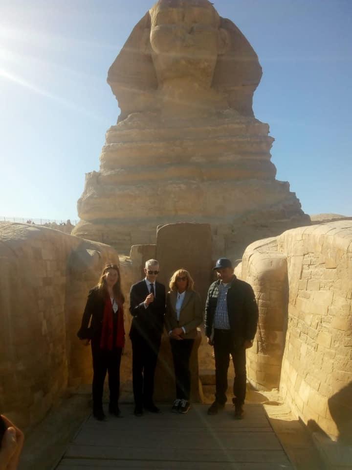 بالصور.. قرينة الرئيس الفرنسى تزور منطقة الأهرامات