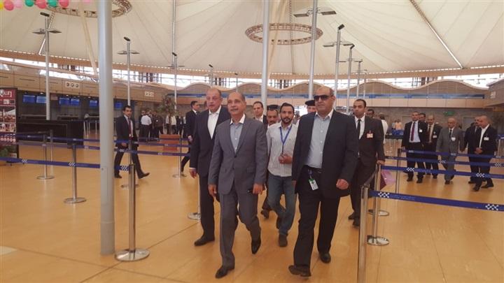 وزير الطيران يتفقد مطار شرم الشيخ