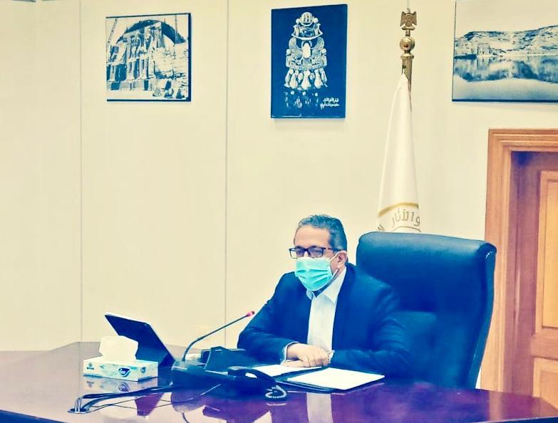 وزير السياحة يطالب بالتأني في إجراءات معاينة شهادات السلامة الصحية للفنادق