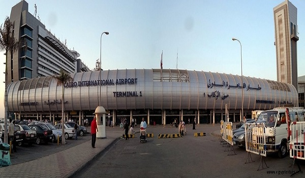 وصول 310 من المصريين العالقين بالسعودية