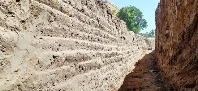 اكتشاف أفران حرق وسور ضخم من العصر الروماني والمتأخر بالأقصر