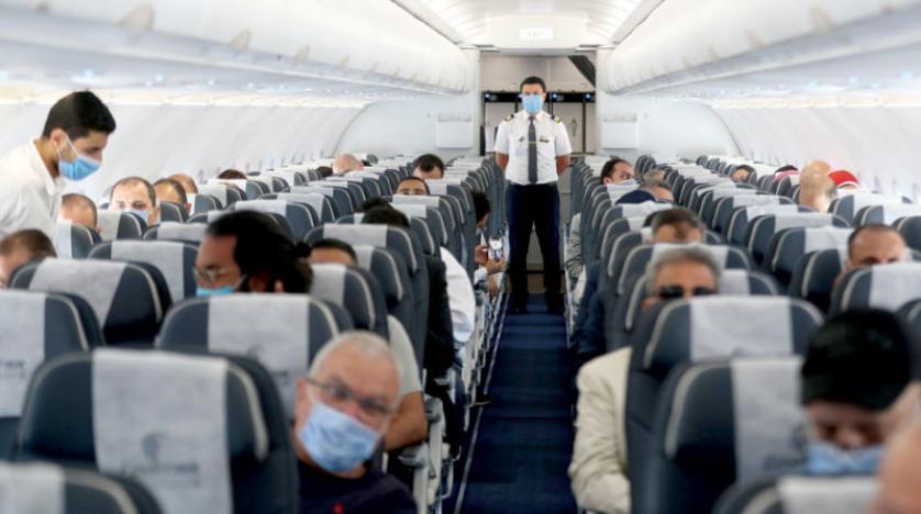 إجراءات صارمة من شركات الطيران ضد رافضي ارتداء الكمامات