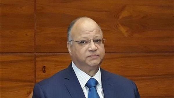 محافظ القاهرة يشدد على ارتداء الكمامة