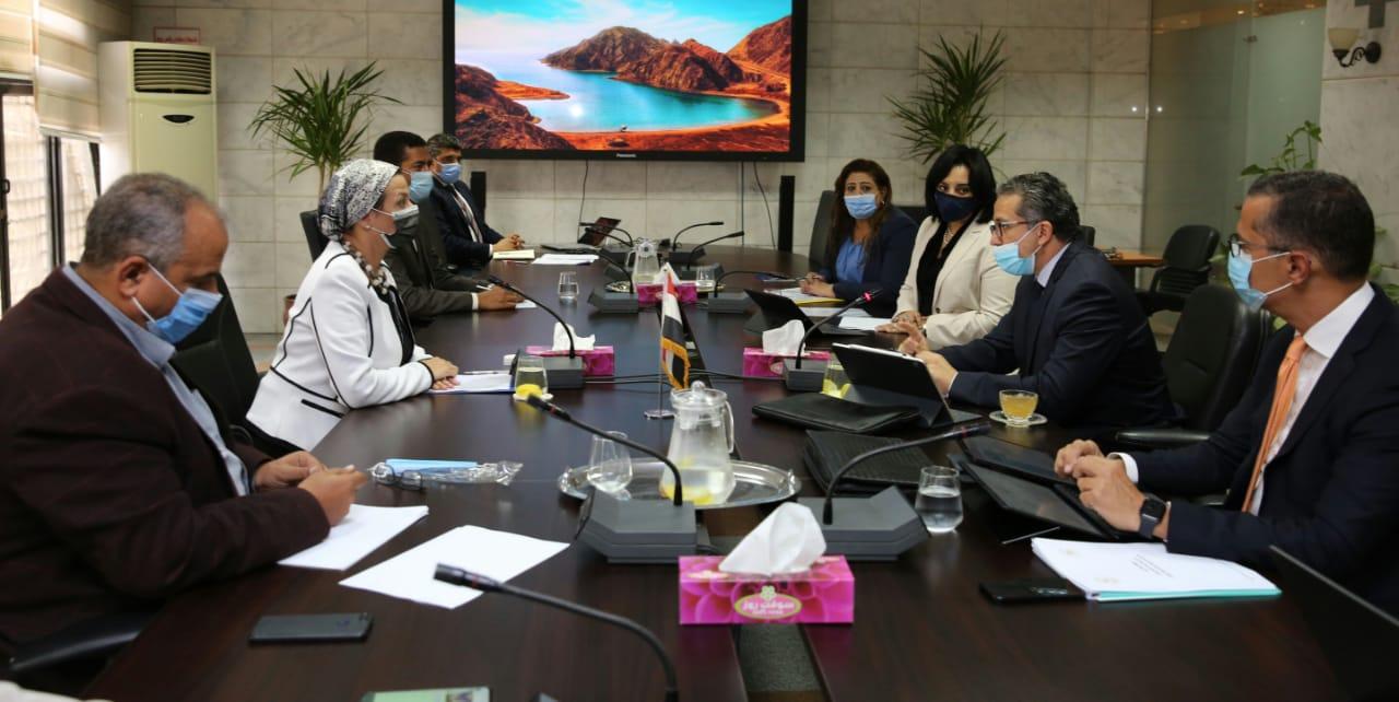 وزيرا السياحة والآثار والبيئة يعدان لحملات مشتركة للترويج للسياحة البيئية