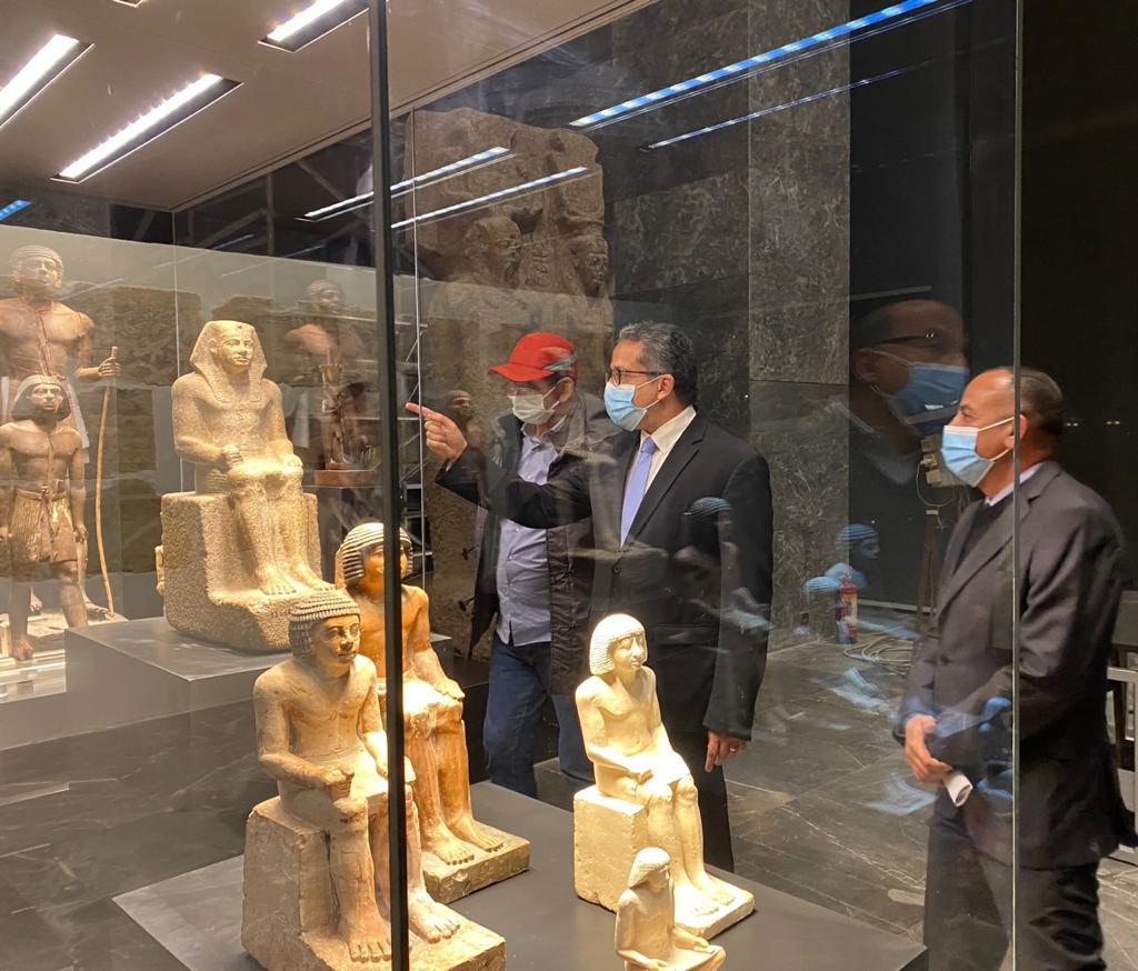 وزير السياحة يتفقد متحف عواصم مصر