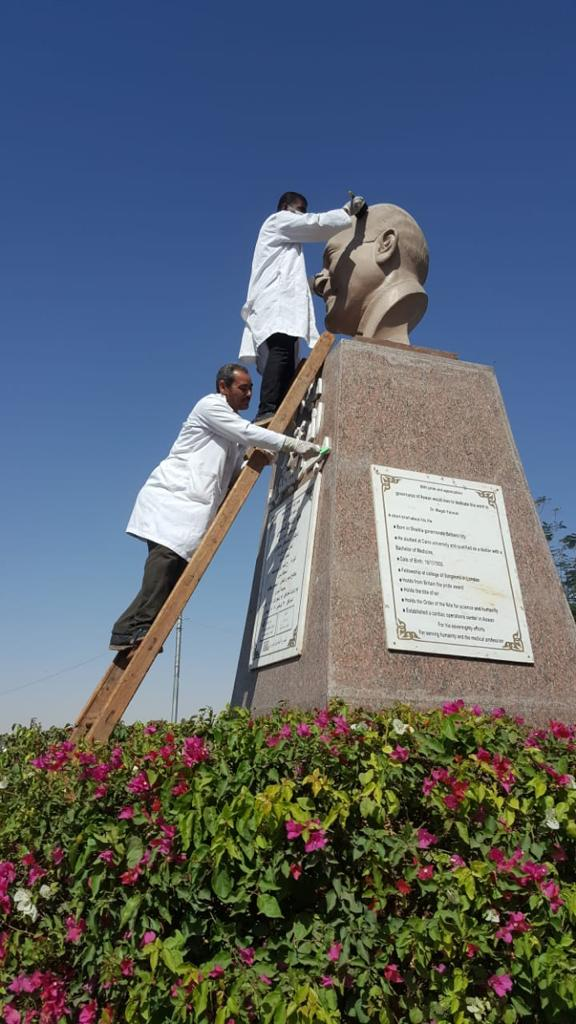 بدء حملة تنظيف وصيانة التماثيل بالميادين العامة