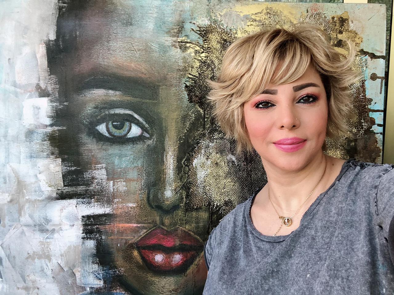 جيهان فوزى تشارك في -فنون العالم دبي-