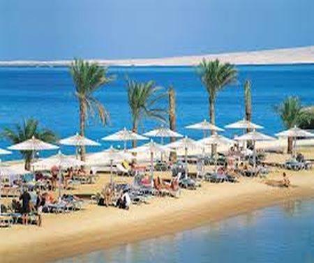 مصر للطيران تُسيّر ٢٤٠ رحلة خلال اجازة عيد الأضحي إلى المدن السياحية .. والتذكرة ب 2150 جنية