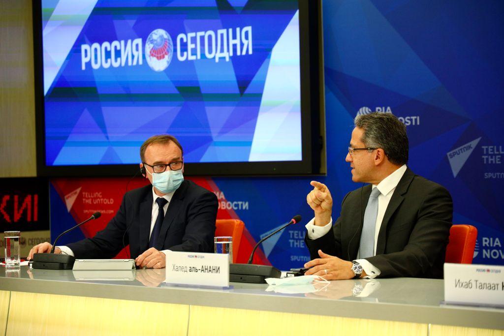 وزير السياحة والآثار يعقد مؤتمرا صحفيا افتراضيا مع ممثلي كبرى وسائل الإعلام الروسية