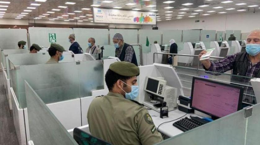 السعودية تمدد إقامات الوافدين المقيمين في الخارج وتأشيرات الزيارة