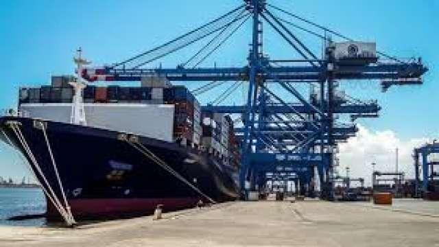 ميناء غرب بورسعيد يستقبل ثاني سفن السياحة و19 سفينة حاويات وبضائع عامة