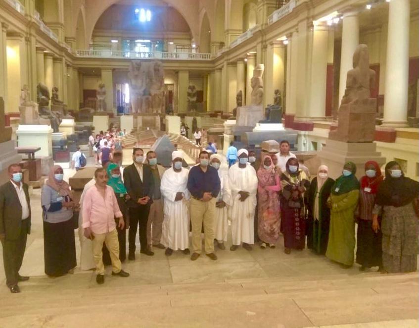 وفد من الأئمة والواعظات بالسودان يزورون المتحف المصري بالتحرير