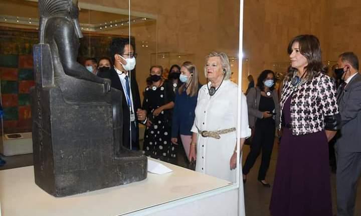 متحف الحضارة يستتقبل وزيرة الهجرة ونظيرتها الهولندية