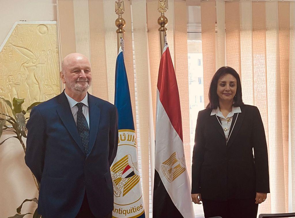 مصر تبحث سبل تعزيز التعاون السياحي مع أسبانيا والبرازيل