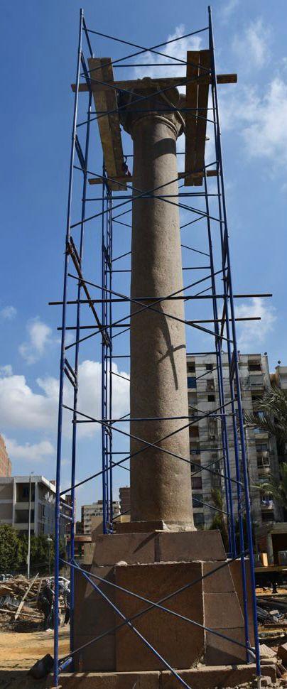 بدء ترميم و تركيب و إعادة رفع العمود الأثري بسراي القبة
